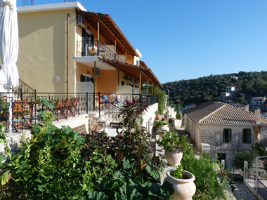 home - Rose Garden Apartments